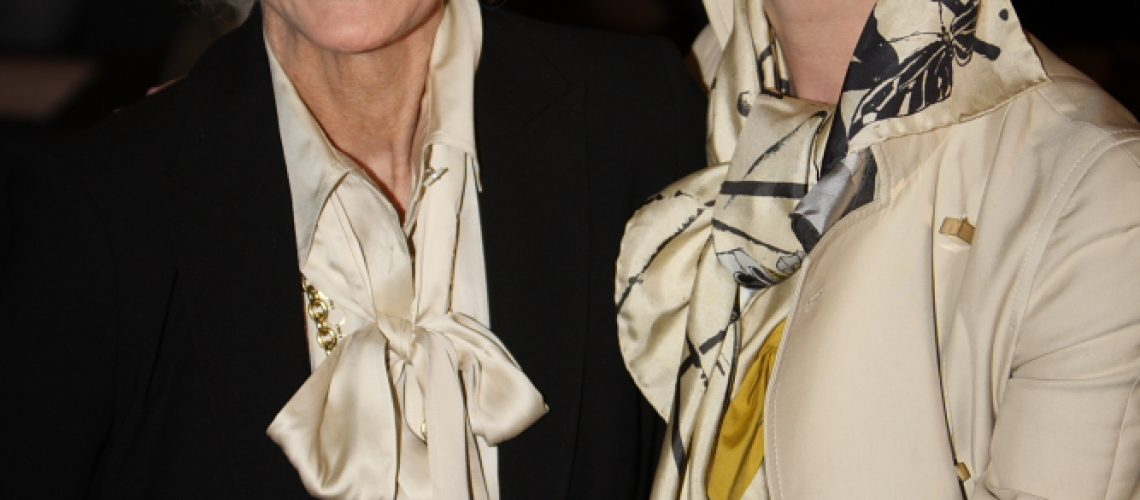 101V4186,Carmen dell Orefice and Erin O'connor,lr